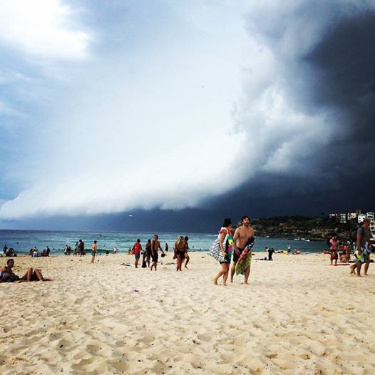 Bondi beach clearing rapidly! (Photo credit Kristin Nopson @kristinnopson)